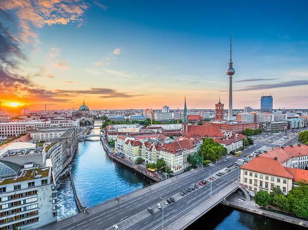 В обращениях по возврату азербайджанцев, в рамках соглашений о реадмисии, Германия занимает высокое место