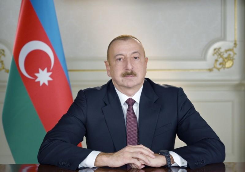 Präsident Ilham Aliyev unterzeichnet Erlass zum Kriegszustand