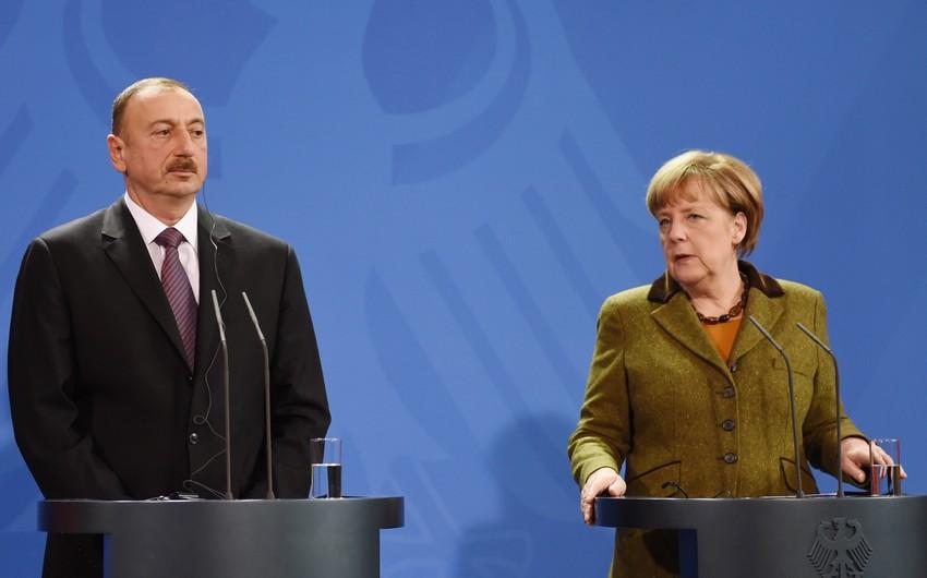 Bundeskanzlerin Angela Merkel telefoniert mit Präsident Ilham Aliyev